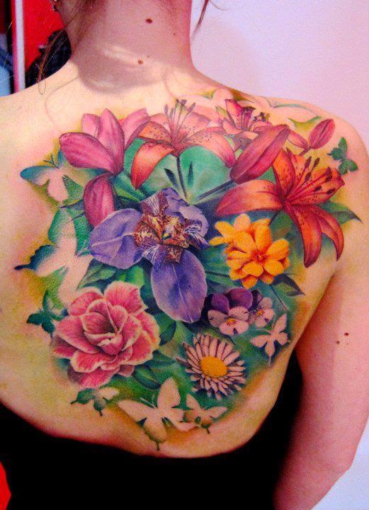 Flores Vibrantes - Matteo Pasqualin - Itália - Tattoo Feminina