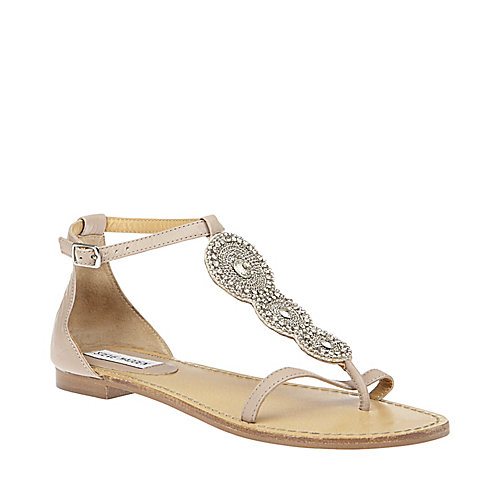 Inspired i dos adorable wedding flat sandals for Flat dress sandals for weddings