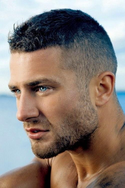Top Gaya Rambut Pendek Pria Terbaru - Gaya rambut pendek untuk wajah bulat pria