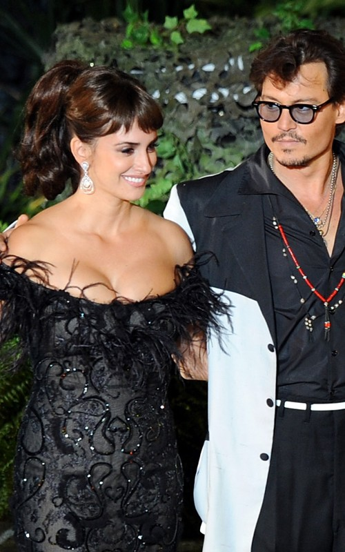 Johnny Depp And Penelope Cruz At The &quot;Pirates of the Caribbean&quot; Premiere