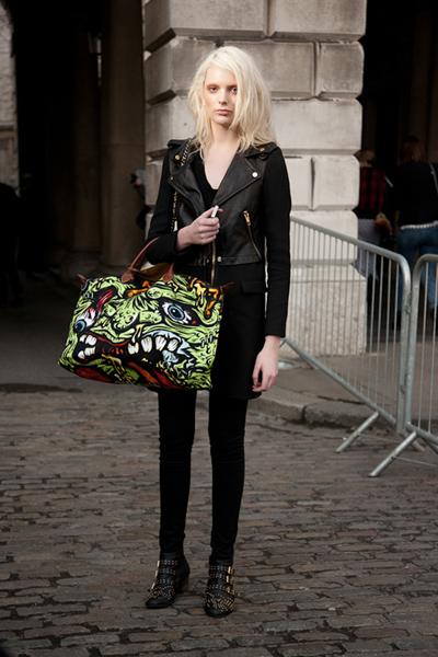 street style-inder-black-dark