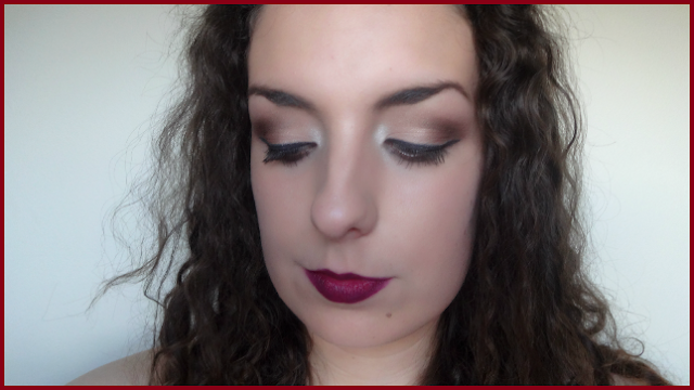 Autumn Makeup Look with a Dark Lip