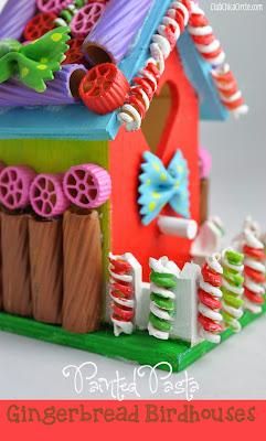 Reciclatex Casa de jengibre decorada con pasta para el árbol de Navidad