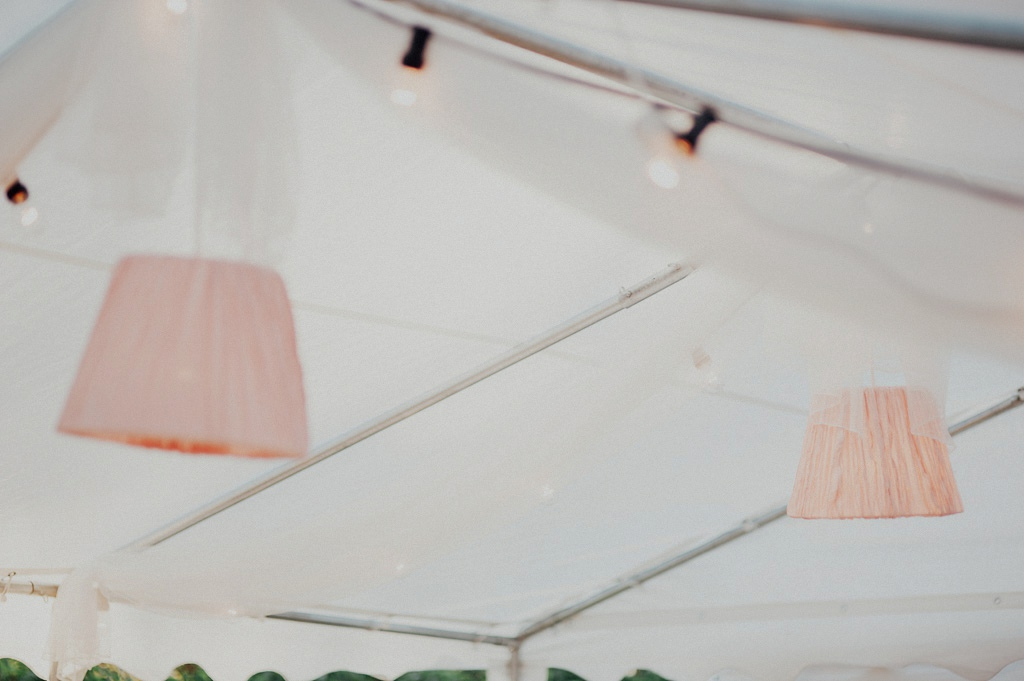 Tyglampor under bröllopsfest
