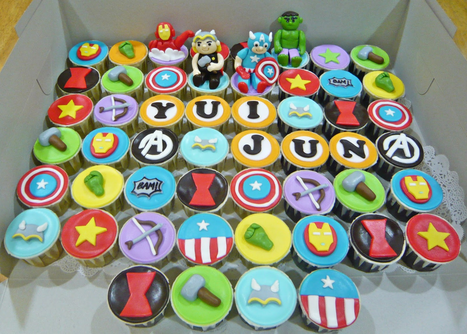 Jenn Cupcakes Amp Muffins Avengers Theme Cupcakes