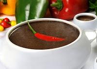 Caldo de Feijão Preto com Pimentão (vegana)