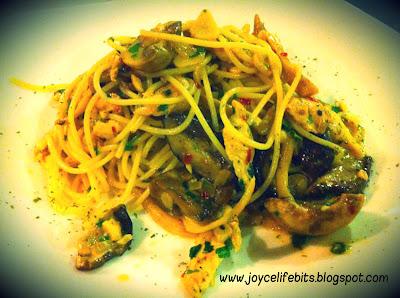 spaghetti chicken mushroom aglio olio