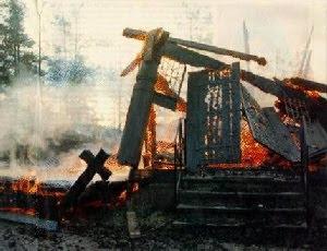 Iglesia quemada Noruega