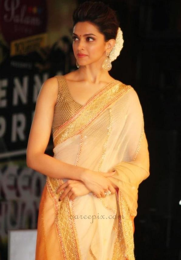 """Deepika padukone transparent saree at """"Chennai express ..."""