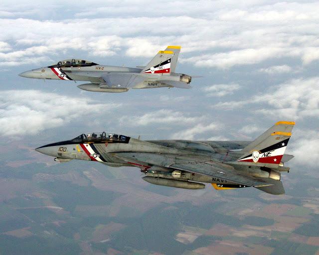 F-14 tomcat formation