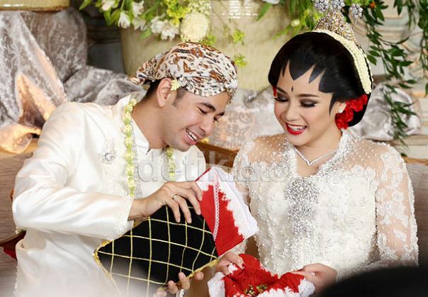 foto foto pernikahan raffi ahmad dan gigi
