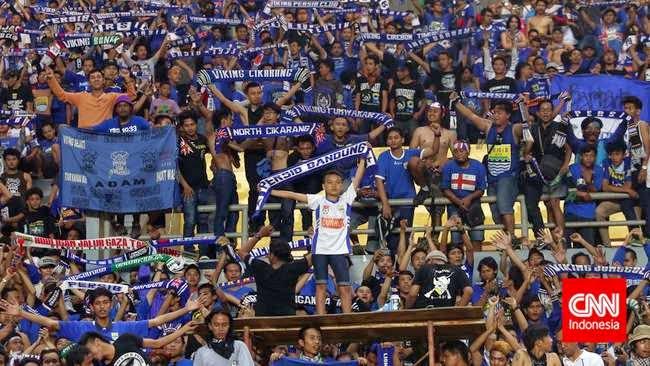 Dirigen Termuda Sepakbola Di Dunia