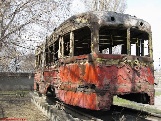 Днепродзержинск. Трамвай - памятник.