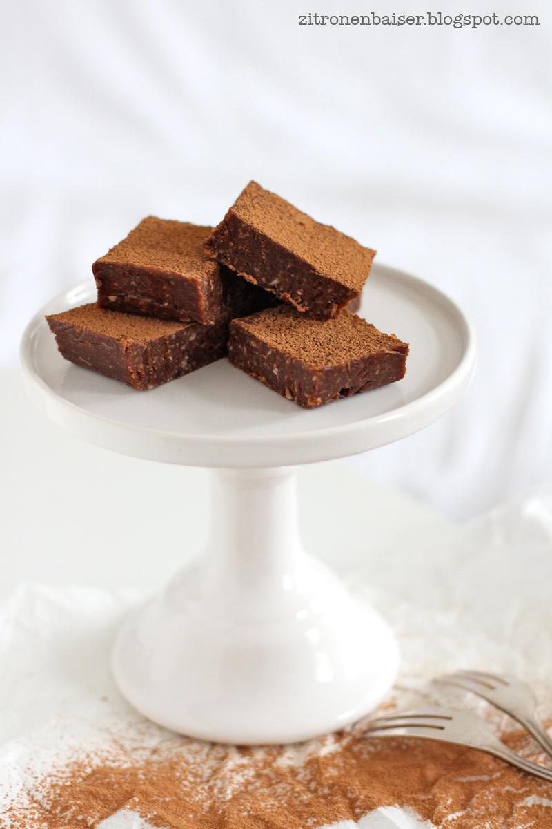 Rezept für vegane rohe Schokoladenbrownies Zitronenbaiser Foodblog