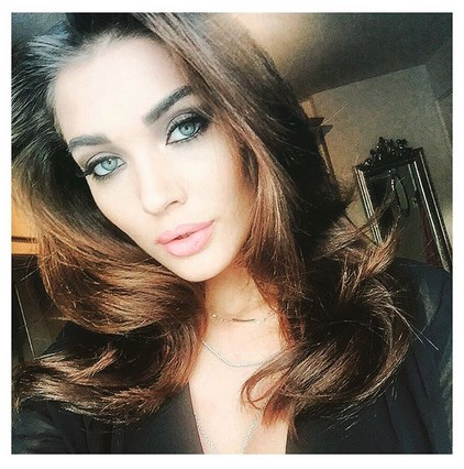Amy Jackson selfie photo from singh is bling movie