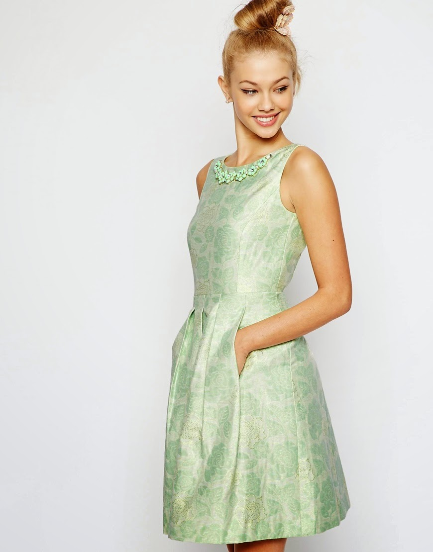 tahari green dress, tahari dress with necklace,