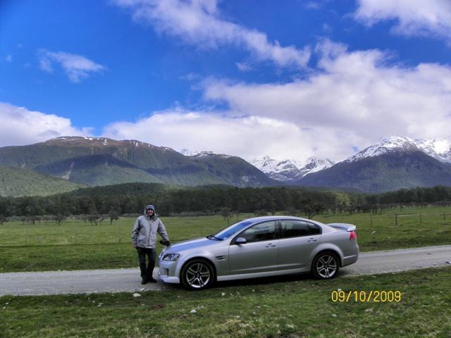 Paco conduciendo por Nueva Zelanda