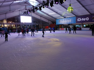 bargelona ice rink on barcelonasights blog
