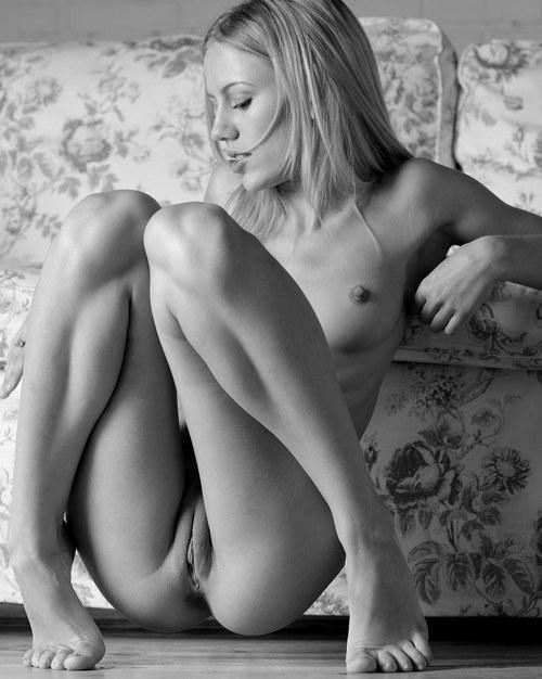 Фото девушек голые писи бесплатно