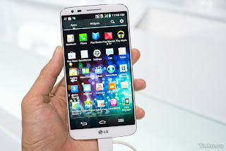 Hand On LG Optimus G2: Highly configurable, many new features