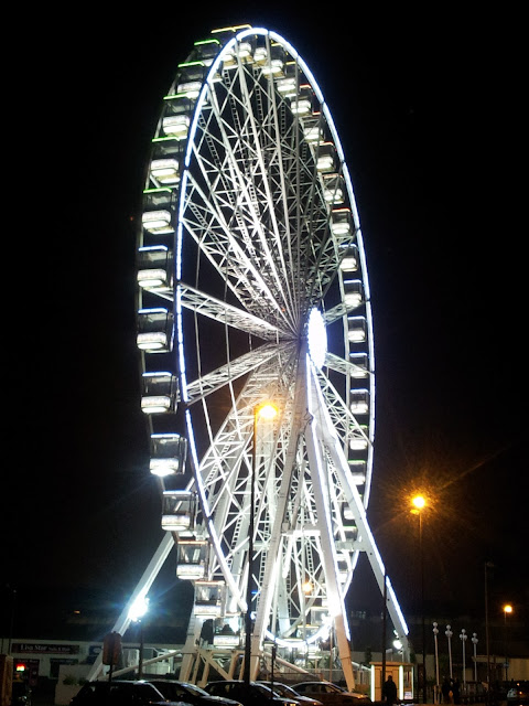 Ferris wheel at night in Leeds