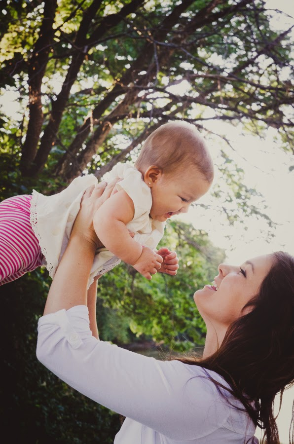 baby girl and mommy at a natural light photography session in indianapolis