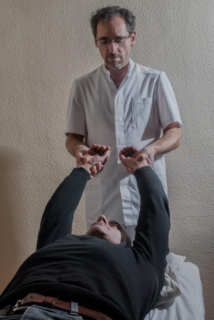 Test kinesiológico utilizado por Fernando Alvarez. Osteópata visceral