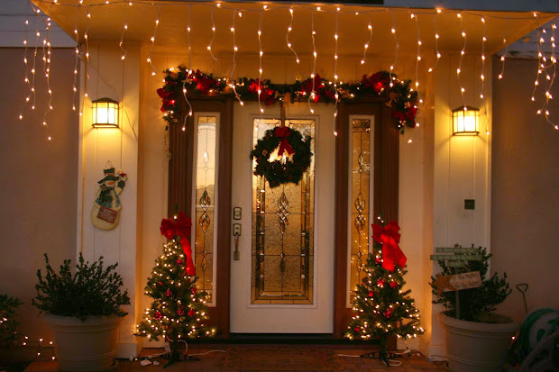 christmas indoor door decorating ideas - Indoor Christmas Decorations Ideas