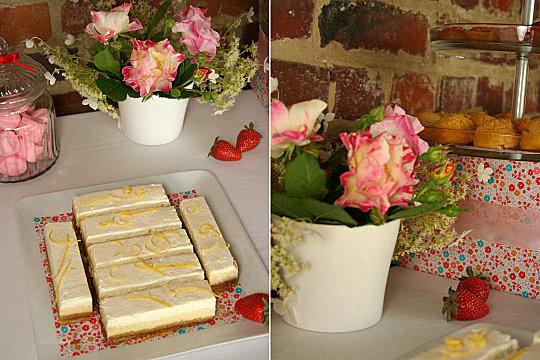 desserts et bonbons avec décoration florale