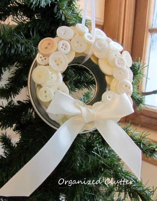 Jello Mold Ring Christmas Tree Ornament www.organizedclutterqueen.blogspot.com