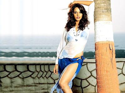Mallika Sherawat Latest Hot HQ Wallpapers