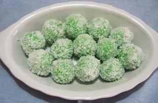 makanan khas indonesia - kue tradisional klepon