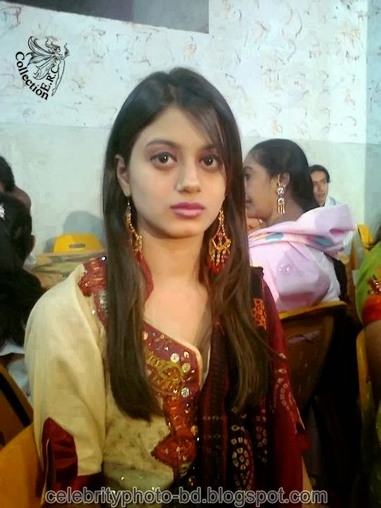 Deshi+girl+real+indianVillage+And+college+girl+Photos016