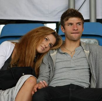 All Football Players: Thomas Muller Girlfriend Lisa Pictures