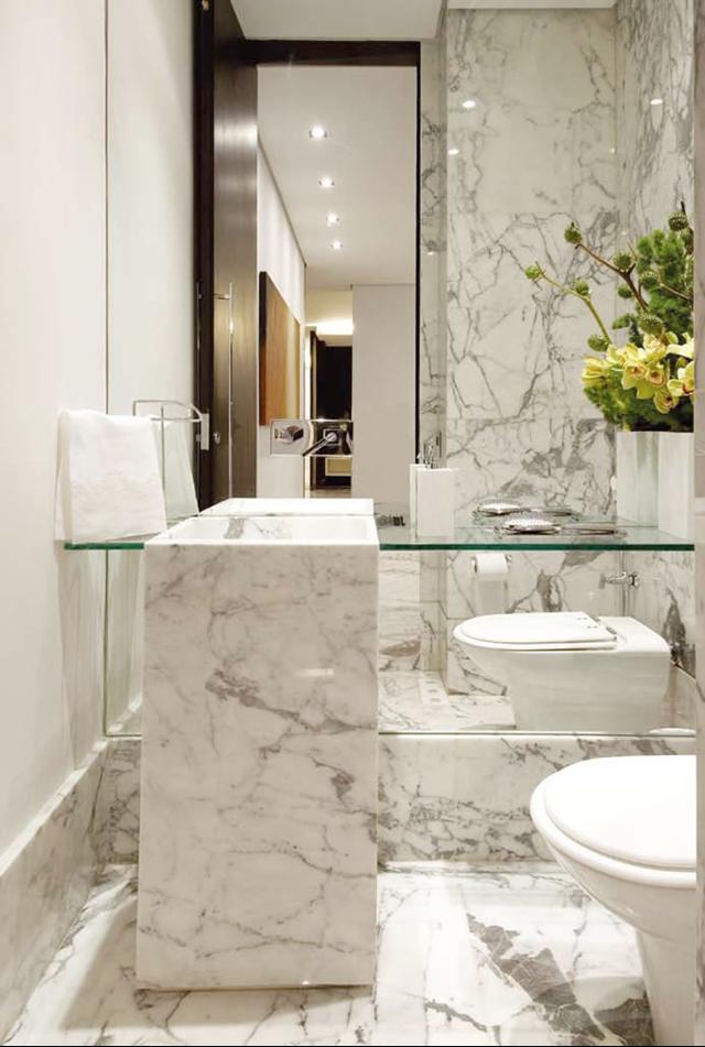 decoracao lavabo branco:Mármore em lavabos e banheiros – veja bancadas e pisos com diversos