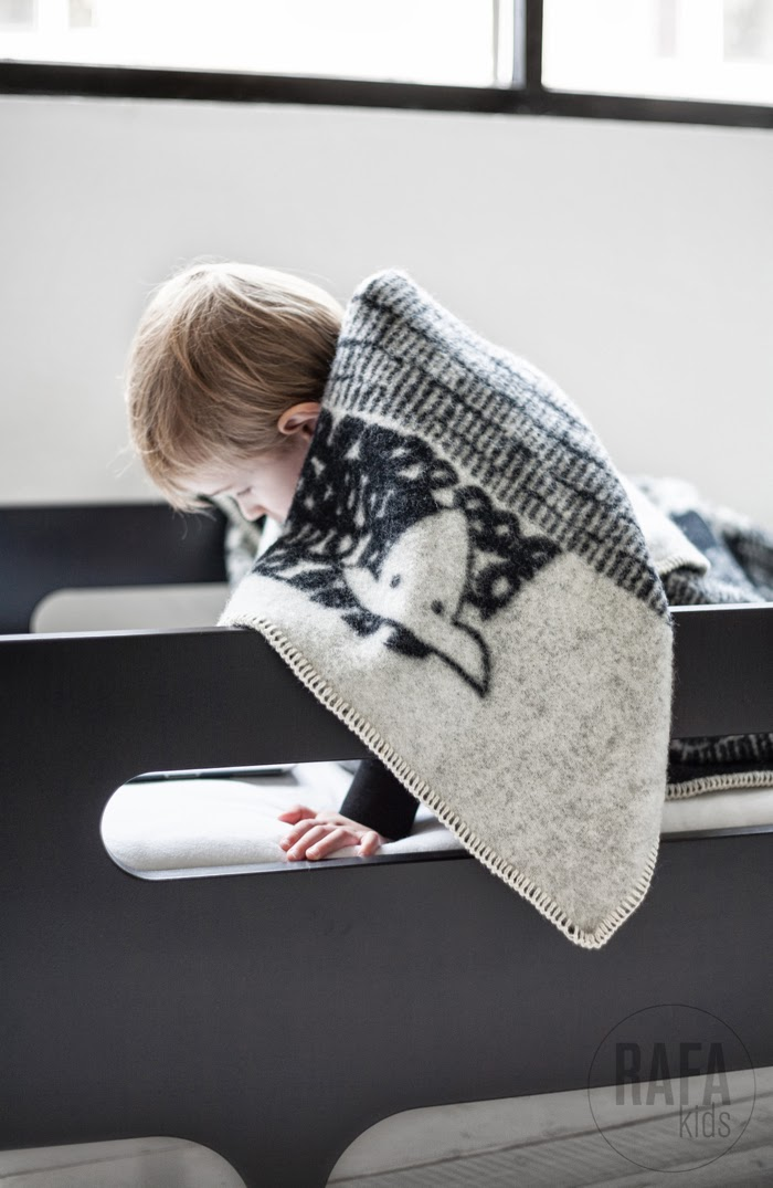 Scandinavian wool blankets available at Rafa-kids