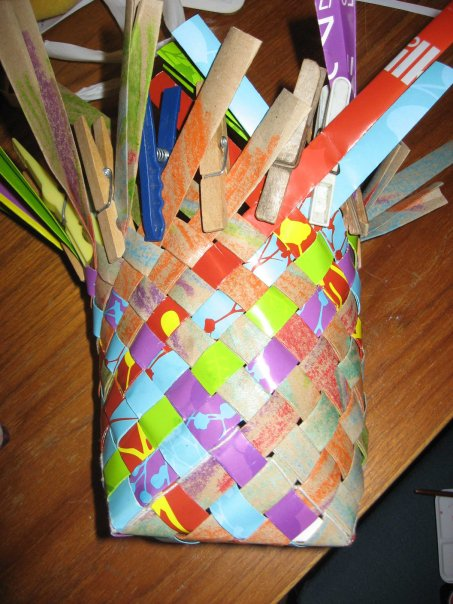 How To Make A Weave A Basket : Ruth s weaving projects how to make plaited paper baskets