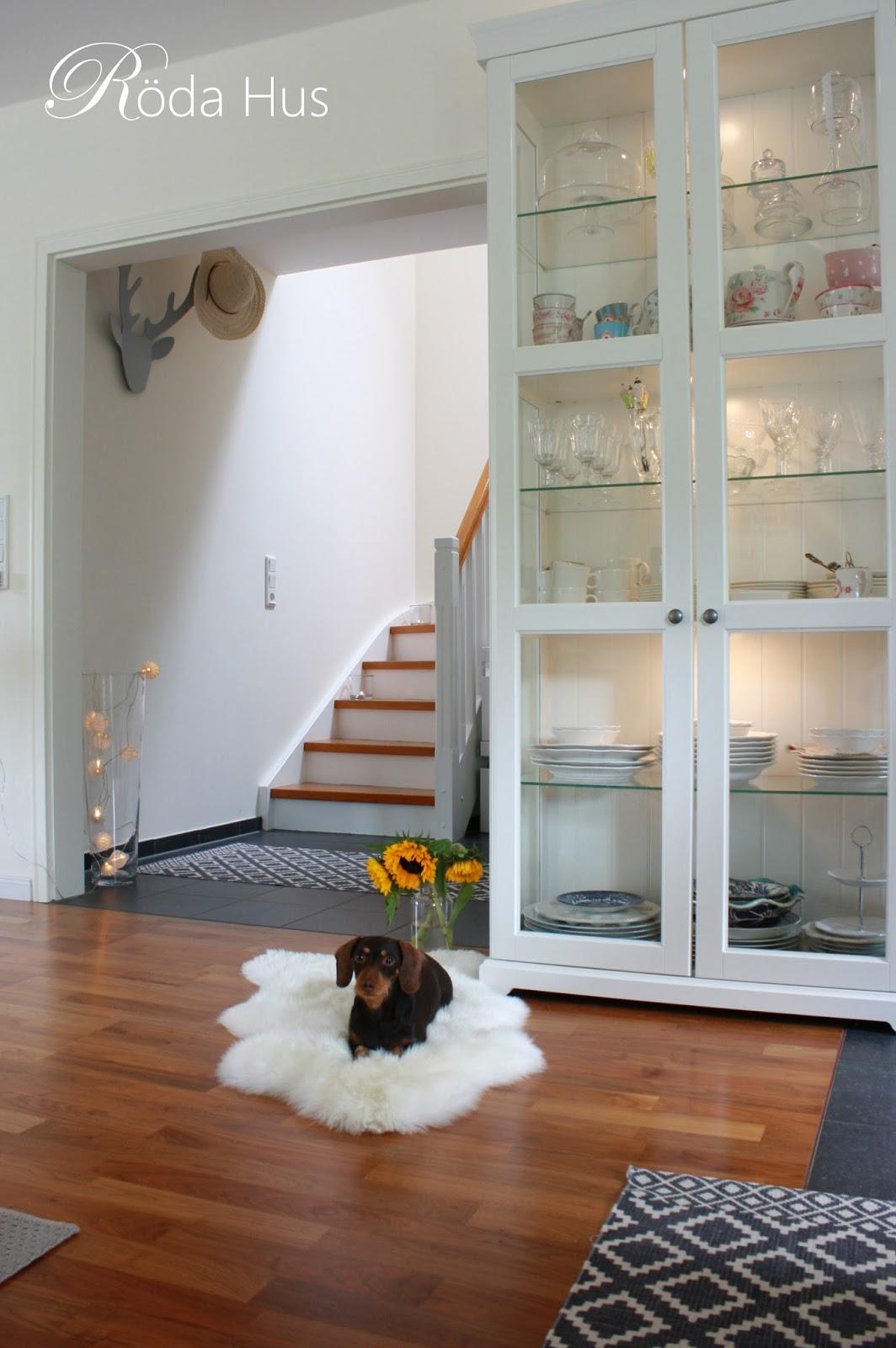 Treppe frisch gestrichen! Рr̦da hus