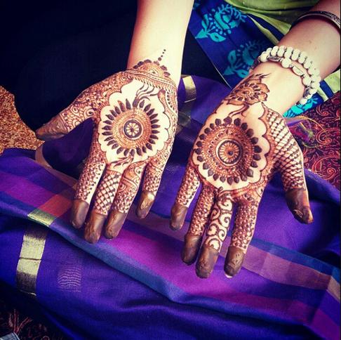Extroverts Buzz Valentines Day Mehndi Designs For Girls