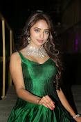 actress Jiya glamorous photos-thumbnail-4