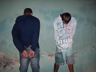 Dois jovens presos