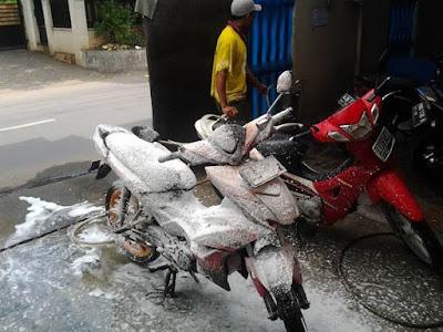Peluang Bisnis Cuci Mobil Dan Motor Di Perkotaan