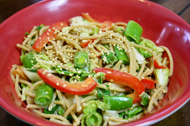 http://www.eatprayjuice.us/2014/08/cold-sesame-noodles-with-vegetables-and.html