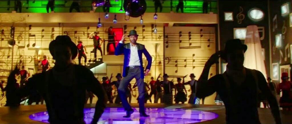 Dhanush dancing in Movie Shamitabh