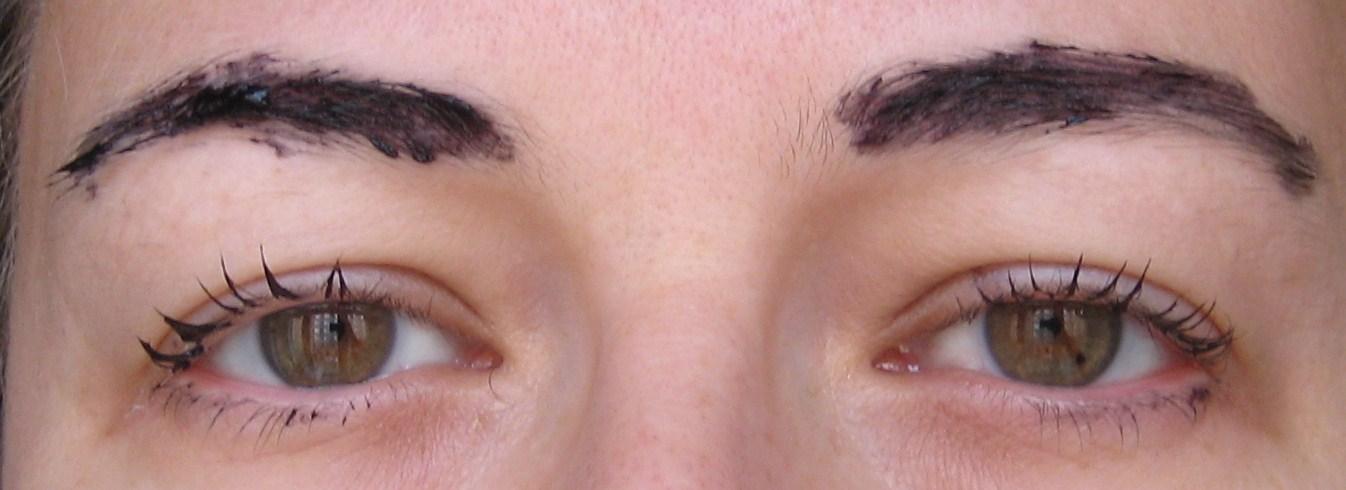 hur får man bort ögonbrynsfärg