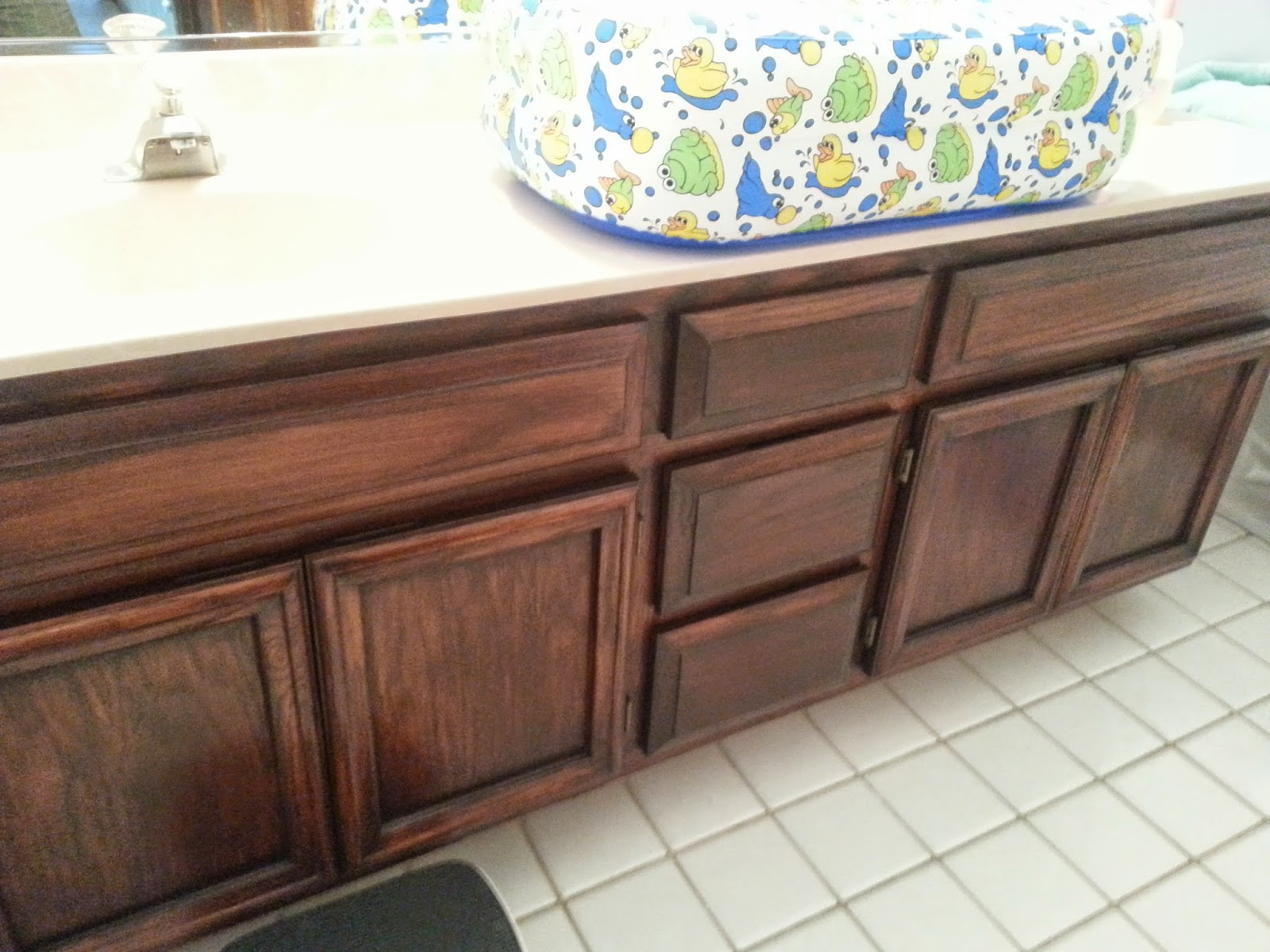 Give It A Go Mama Gel Staining Old Cabinets