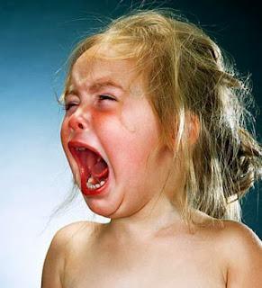 Το ΒΙΝΤΕΟ που ακολουθεί περιέχει σκηνές πολύ σκληρές για παιδιά !!! δείτε πως μια μητέρα - τέρας συμπεριφέρεται στο οκτώ (8) μηνών παιδάκι της