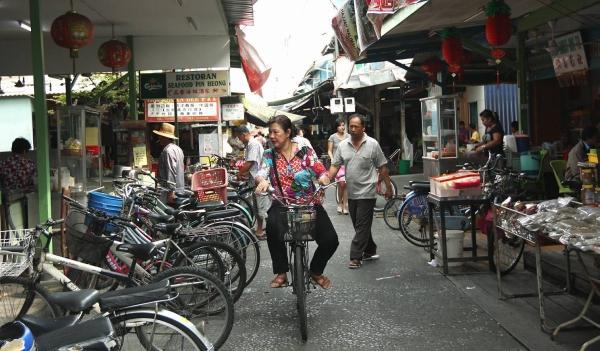 脚踏车为主要交通工具