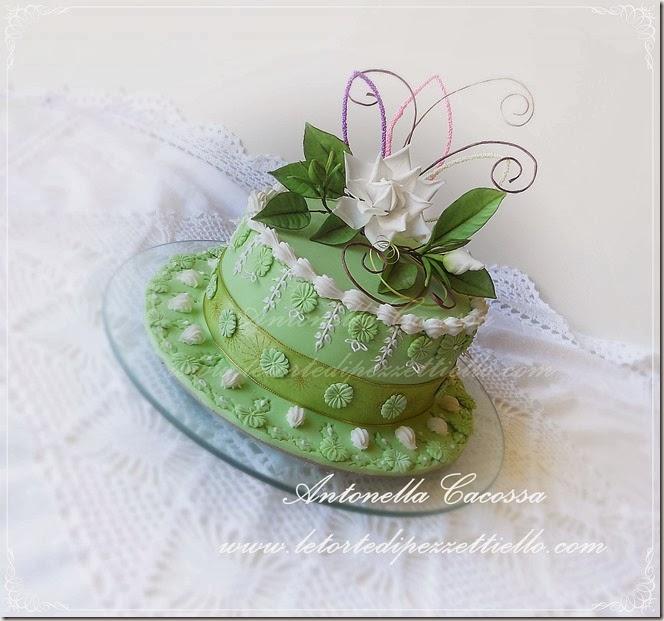 http://www.letortedipezzettiello.com/2013/11/torta-verde-con-gardenia.html