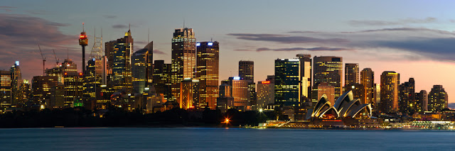 A photogrpah of the Sydney Skyline taken form across the harbour